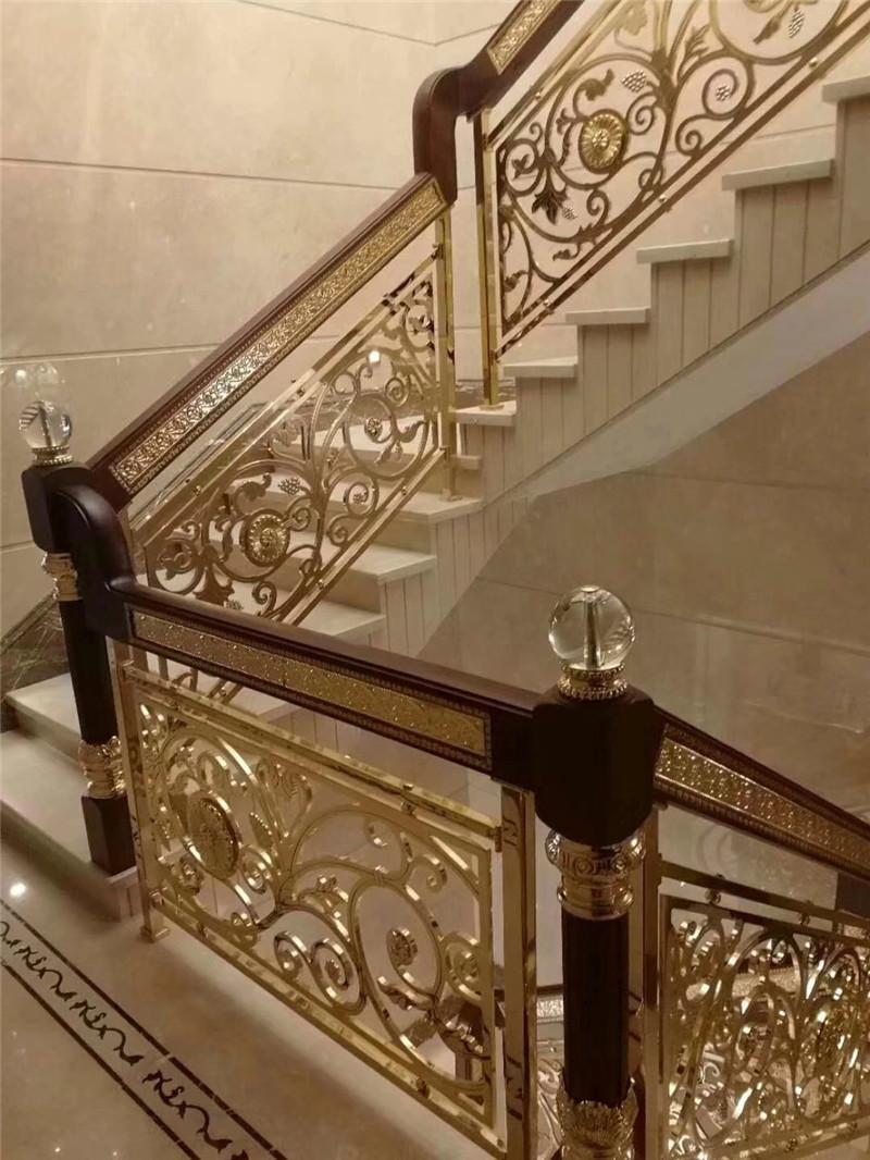 如何挑选适合的铜楼梯定制方案